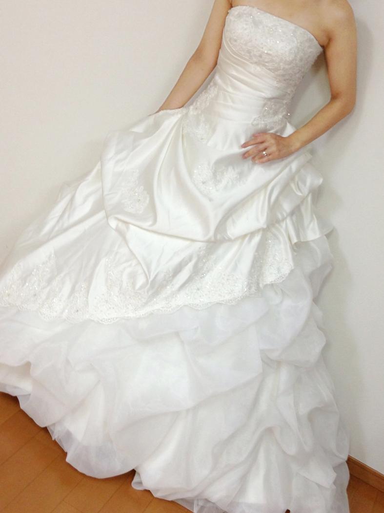 ウェディングドレス01